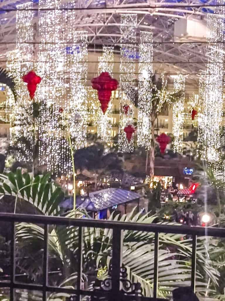 Opryland Christmas.Gaylord Opryland Nashville Christmas Review Mom S Plan It